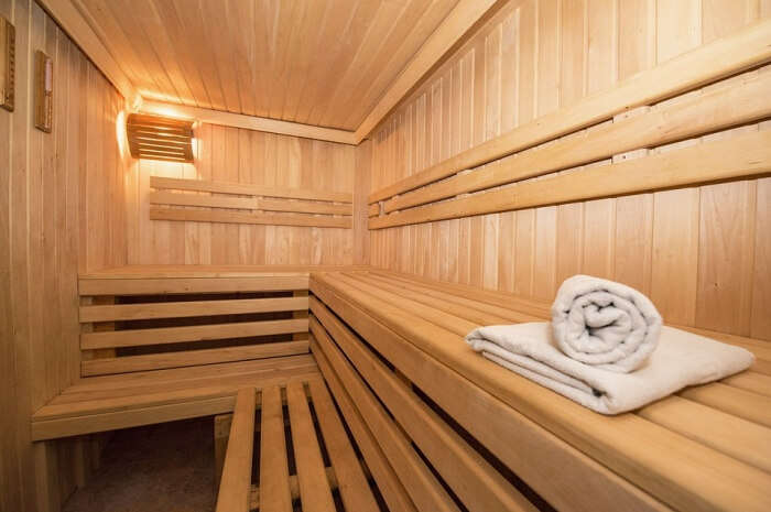 Relax In Sauna At La Banchina