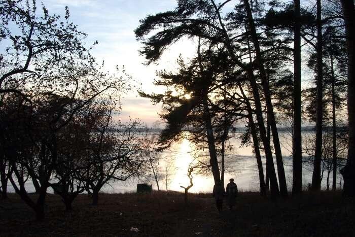 Senezh Lake