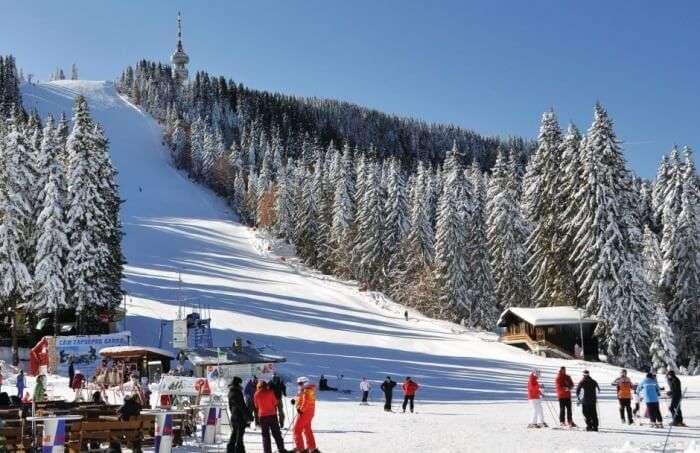Skiing in Pomporovo