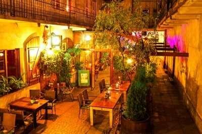 warsaw restaurants cover