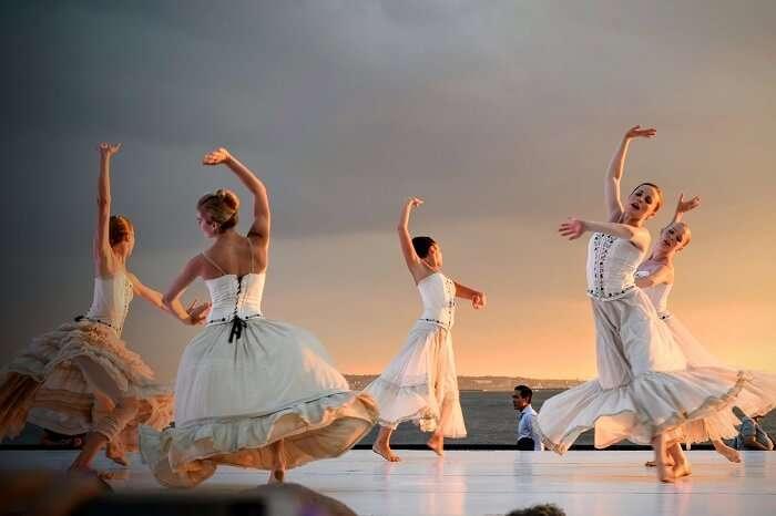 women dancing
