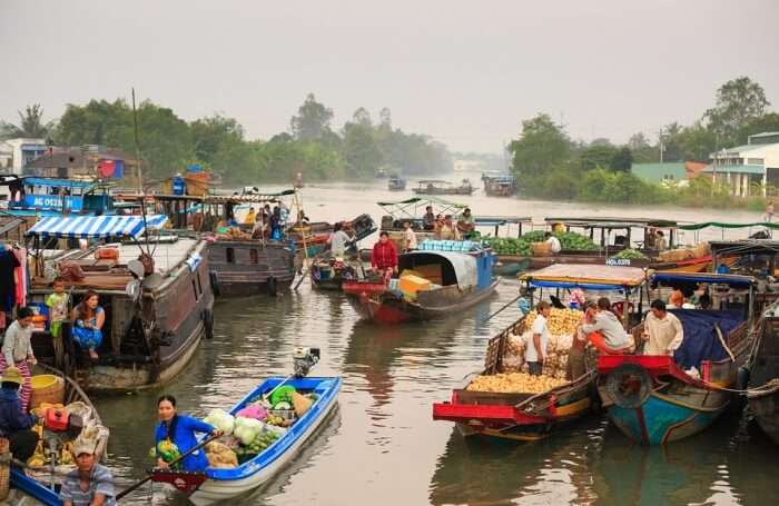 Dont bargain at the floating market