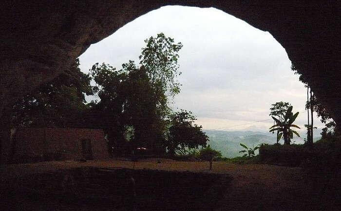 Fa Hien Caves