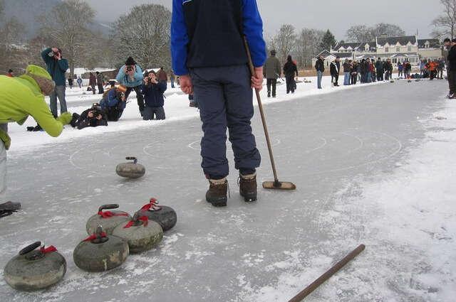 Go Curling