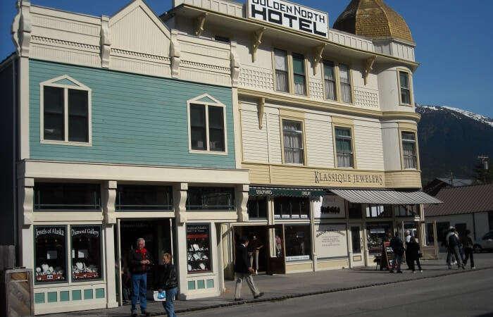 Golden North Hotel