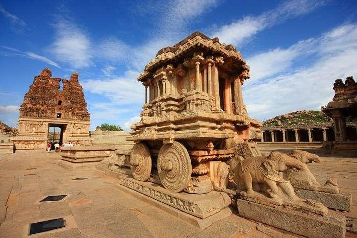 temple ruins in hampi