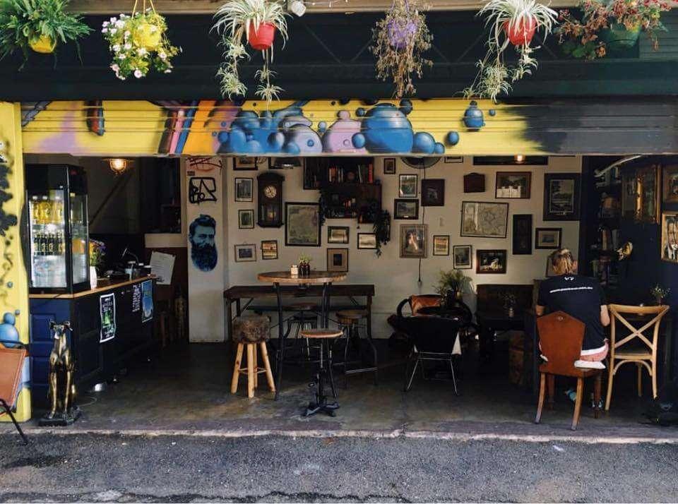 Hoi Polloi Café