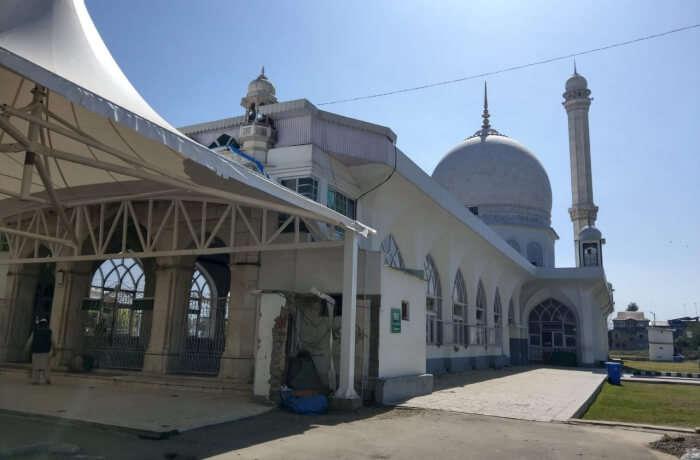 At Dargah Hazratbal