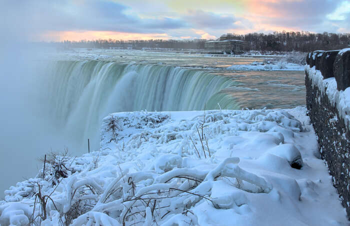 Sight of frozen Niagara falls