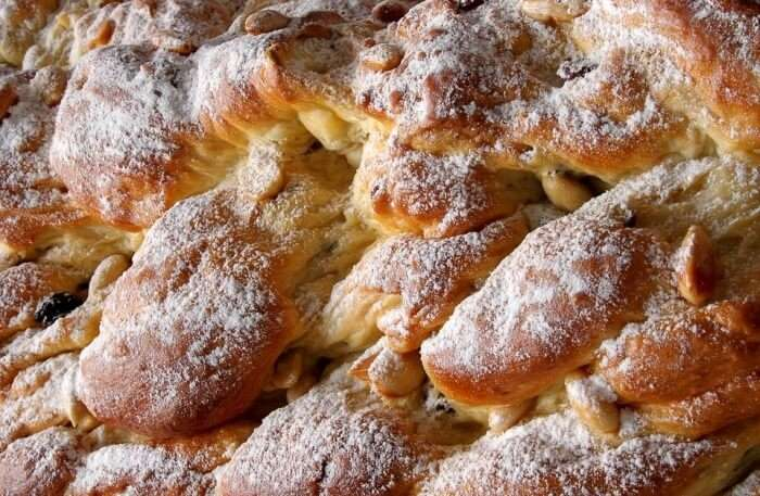Fresh Pastry Crispy Christmas Cake