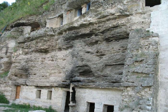 Tipova Monastery