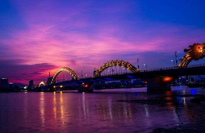 Visit-Dragon-Bridge