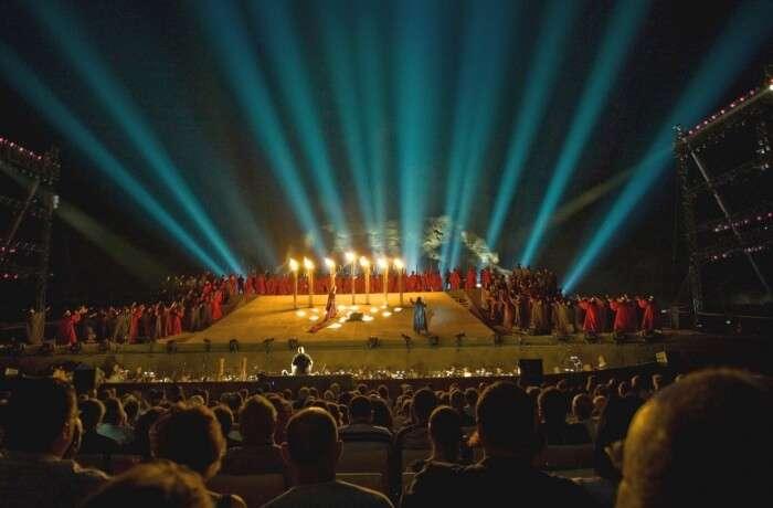 Visit Tel Aviv during the night