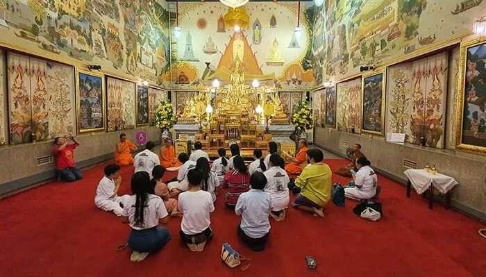Wat Intharawihan In Bangkok