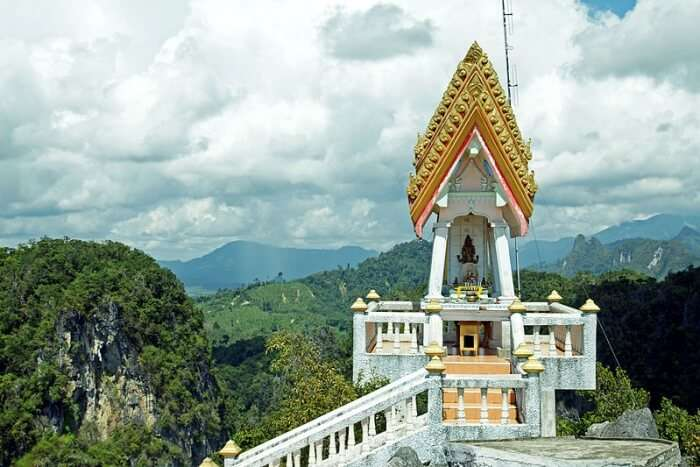 Wat Tham temple