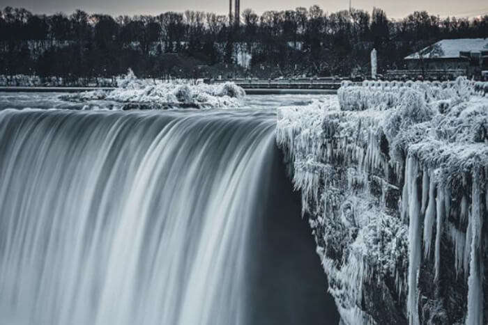 Insta pic of frozen Niagara