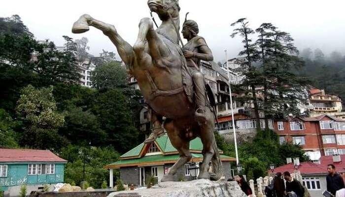 statue of Rani of Jhansi