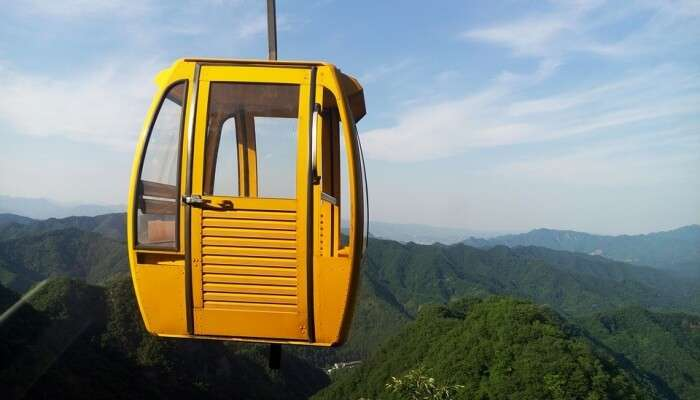 yellow cable car