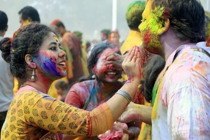 Holi In west Bengal