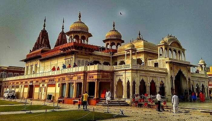 Shri_Mahavirji_-_Main_Temple_41