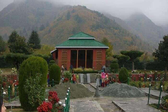 famous garden in Srinagar