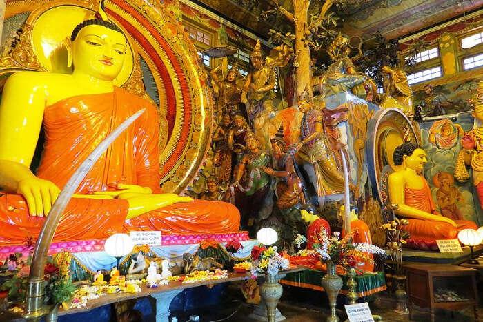 Gangaramaya Buddhist Temple
