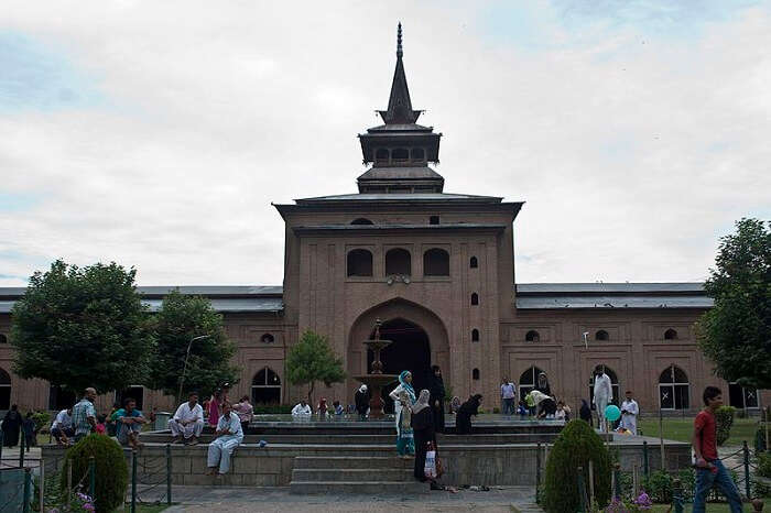 famous place to visit in Srinagar