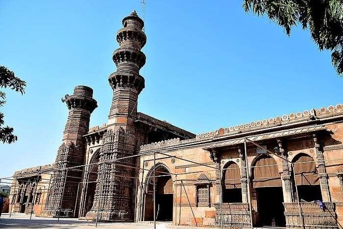 Jhulta Minar in Ahmedabad