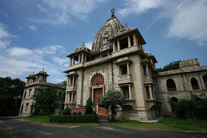 beautiful temple in Vadodara