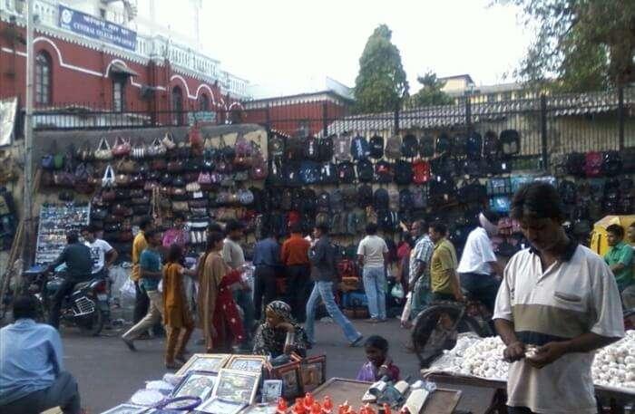 Lal Darwaza Market