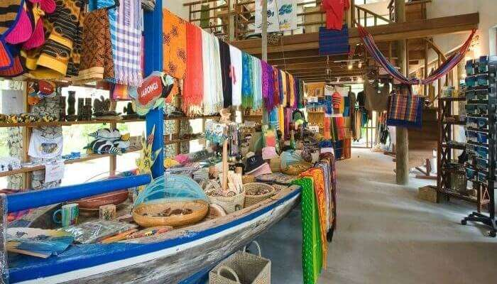 Shopping in maldives