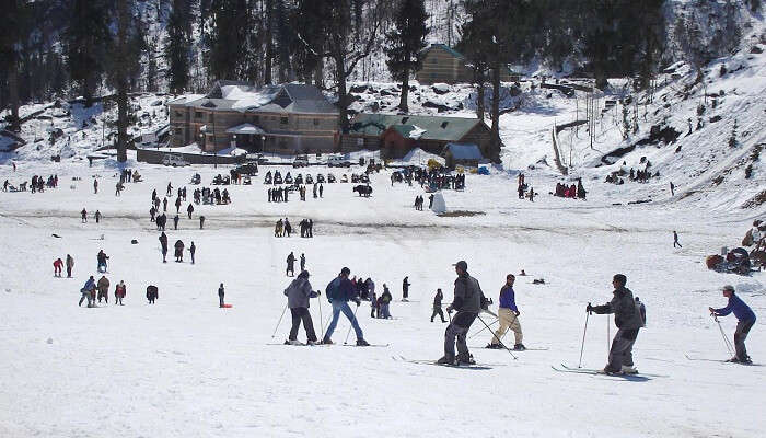 Skiing at Solang Nullah
