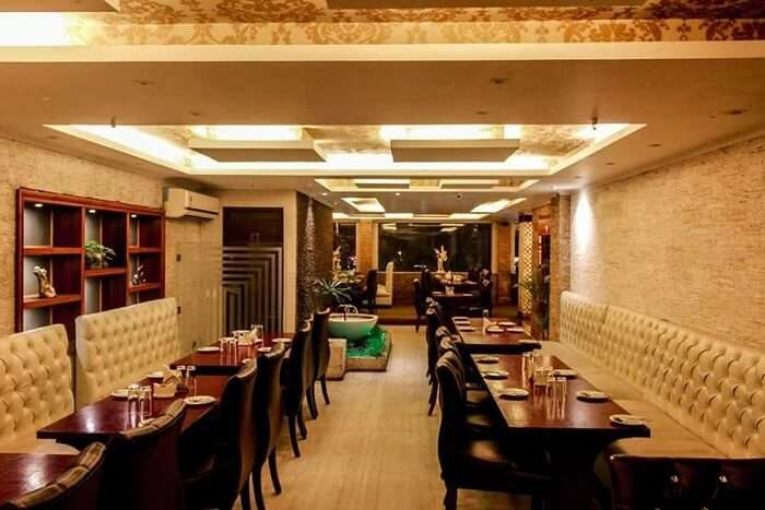 fancy restaurant in Kolkata