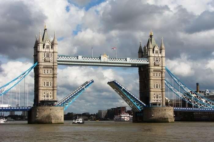 Tower Bridge Facts