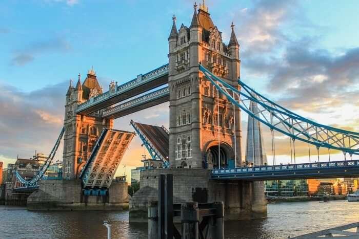 Tower Bridge History