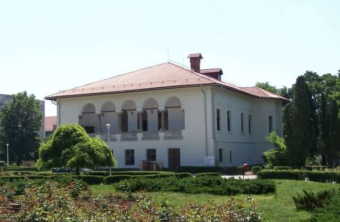 Visit Casa Baniei