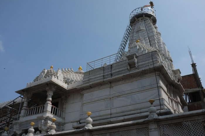 Adeeswar Temple