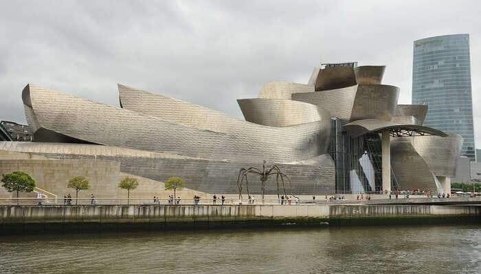 Explore Hong Kong Museum Of Art