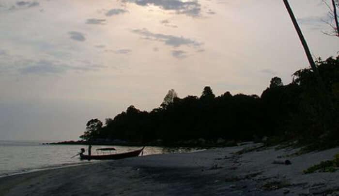 Hike to Koh Adang Mountain