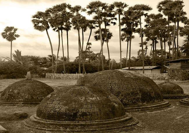Kandarodei Temple