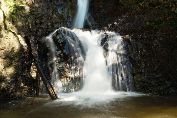 Mae Yen Waterfall Hiking Trail