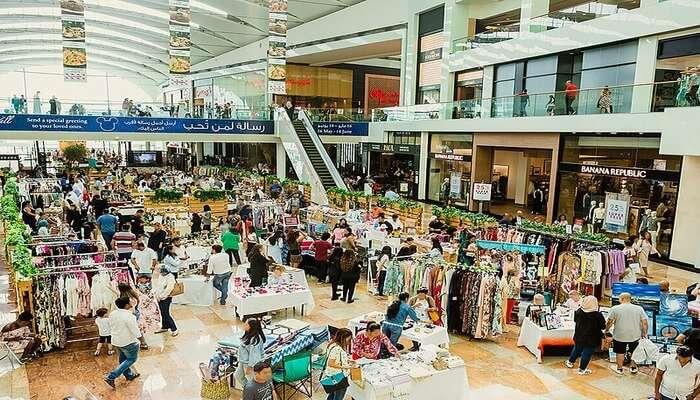 Shopping_at_Dubai_Festival