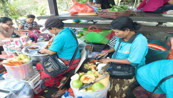 Sunday Market Shopping