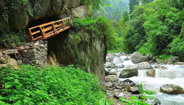 trekking bridge