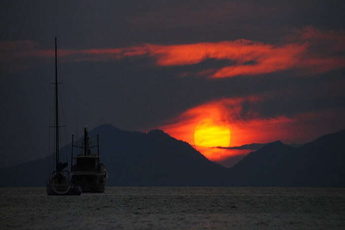 Watch Sunset At Railay West