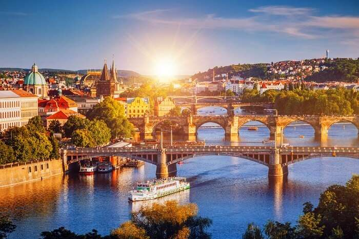 Best Prague Travel Guide