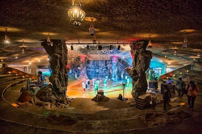 cave resort guhantara