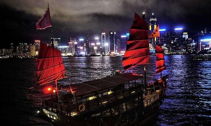 junk boat ride hong kong