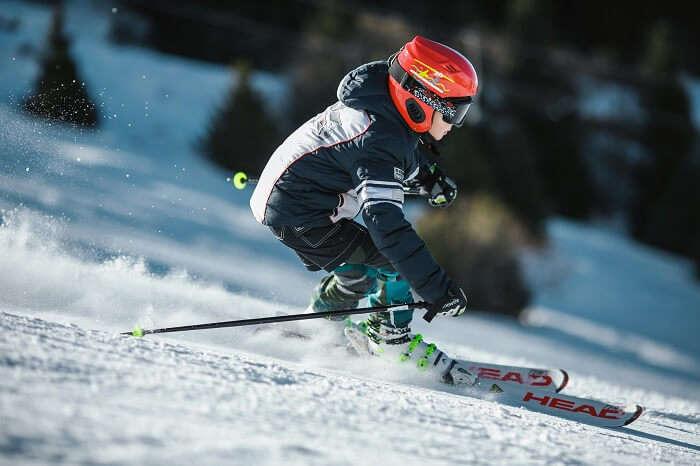skiing in Mundali in Chakrata