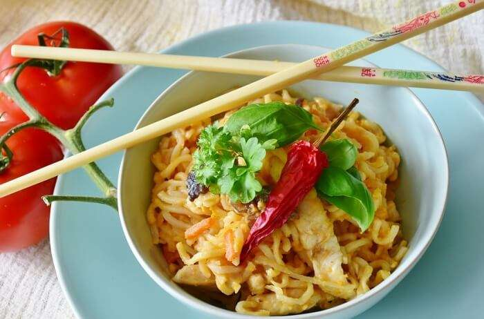Chicken Chinese Noodles Asia Eat Vegetables Sauce